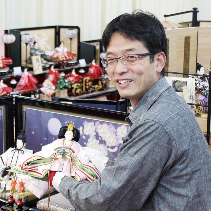 福山最大級のひな人形展示数 20時まで対応
